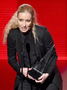 Iggy-Azalea-2014-American-Music-Awards-Show-3